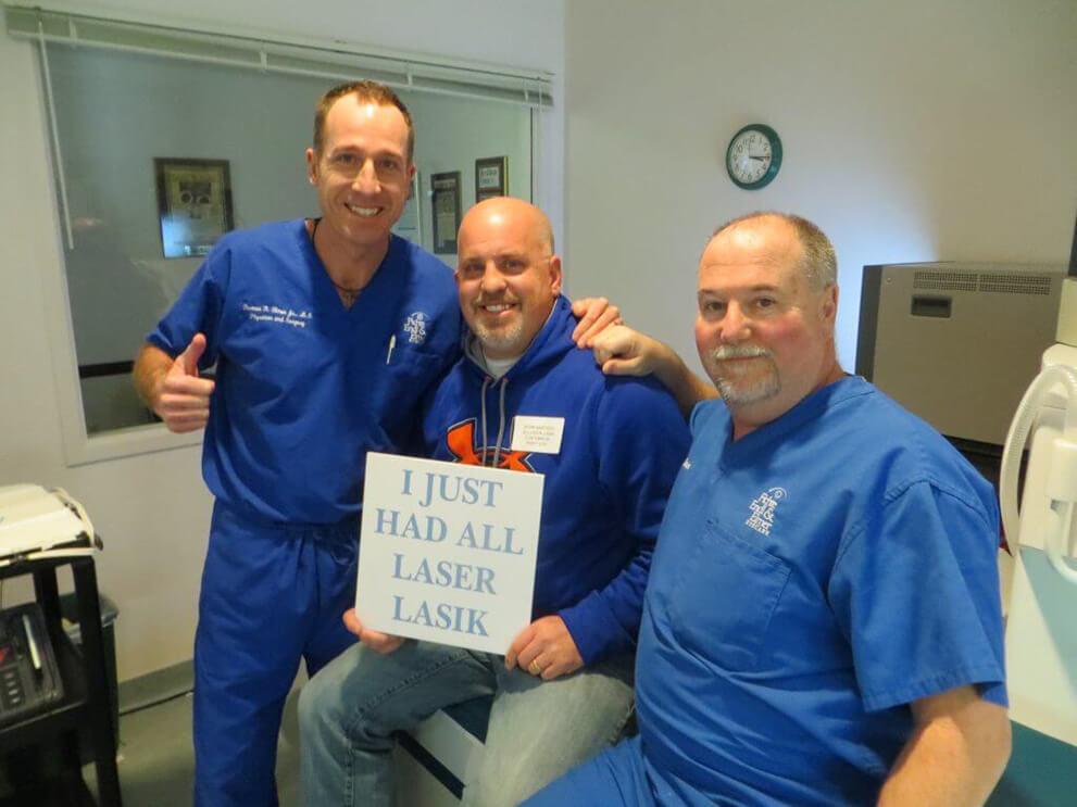 LASIK Patients posing with docs